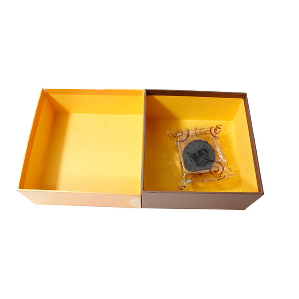 Varnishing box